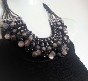 Haut long collier perles