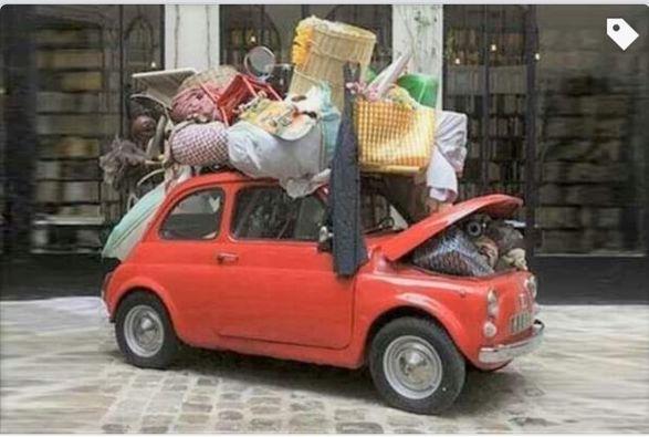 Fiat chargée pour le voyage